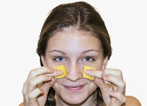 how-to-use-banana-peel-for-acne